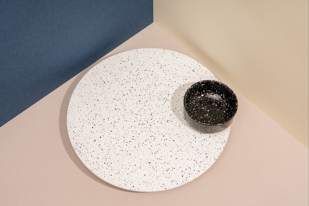 Eclipse - Rotating Tray w. Bowl (White/Black) (DYECLIROW)