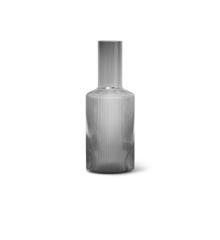 Ferm Living - Ripple Glas Karaffel 0,9 L - Røget Grå