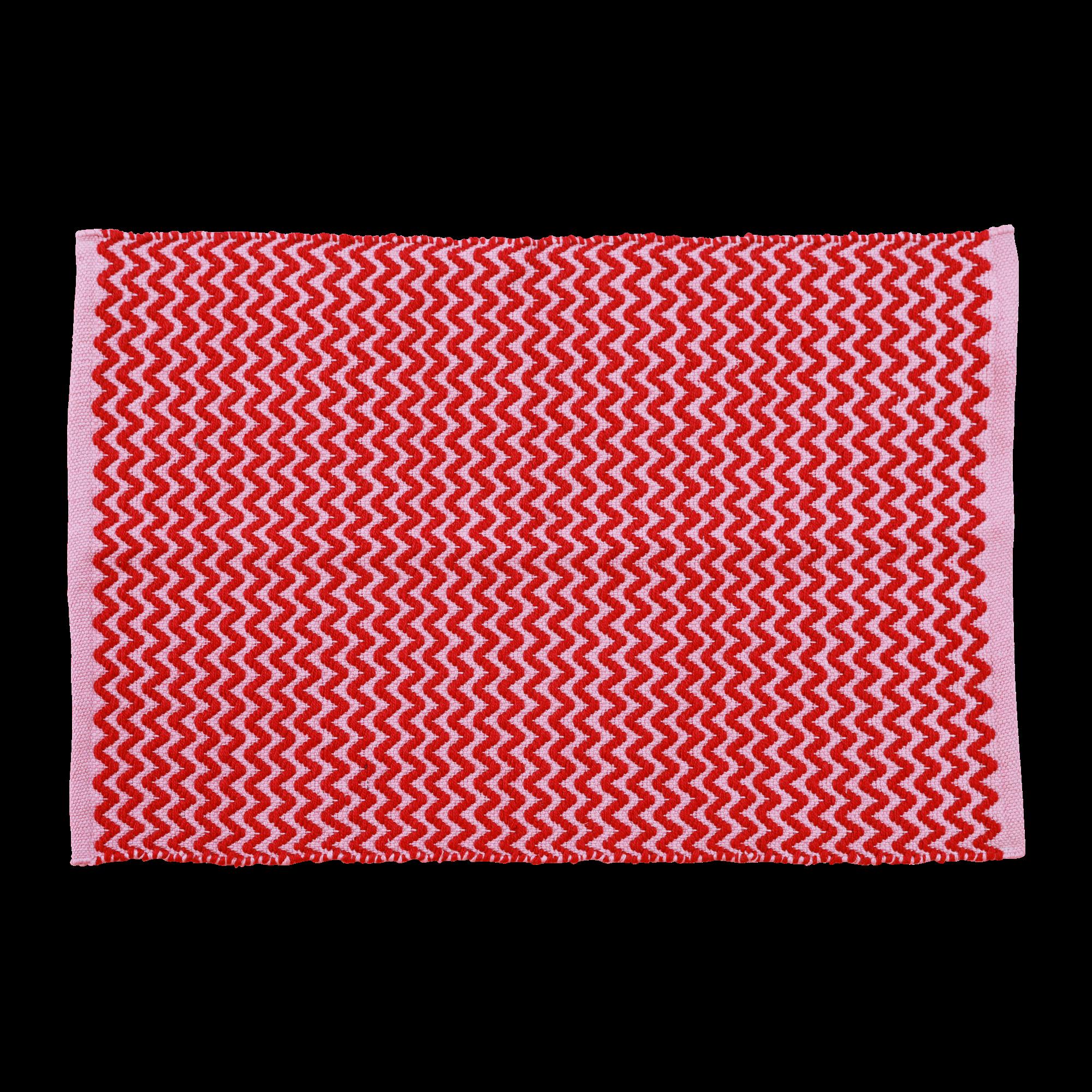 Rice - Handmade Recycled Plastic Floormat 60 x 90 cm - Red & Pink Zig Zag