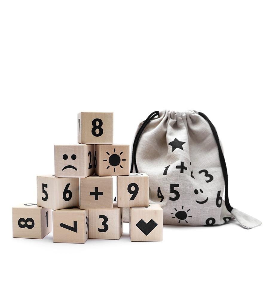 Ooh Noo - Holzklötze mit schwarzen Zahlen