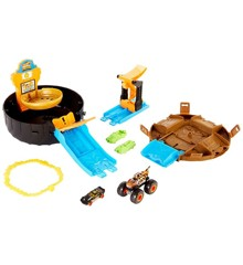 Hot Wheels - Monster Trucks Stunt Tire Playset (GVK48)