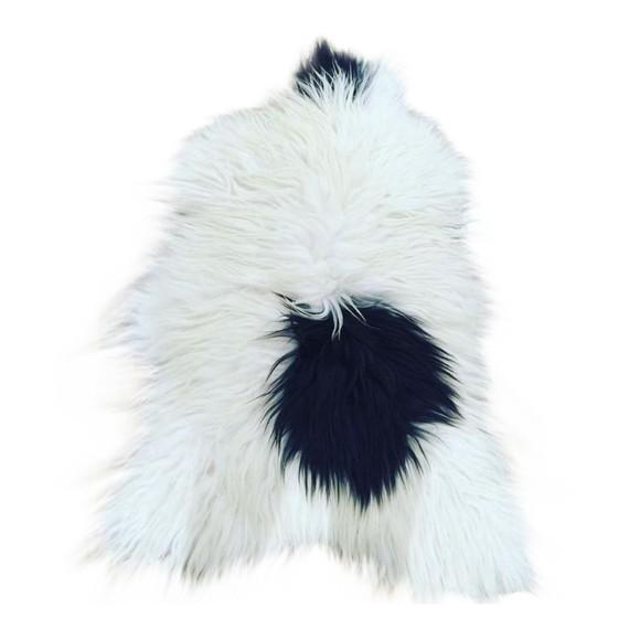 AVALON - Long Hair Sheep Sheepskin - White/Black Spot (TH0011035)