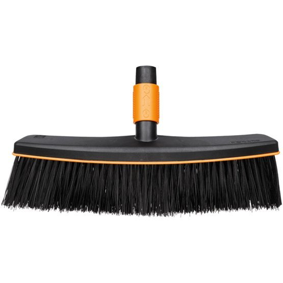 Fiskars - QuikFit Patio Broom