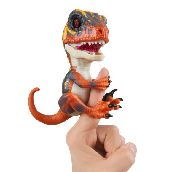 Fingerlings - Untamed Dino - Blaze (3781)