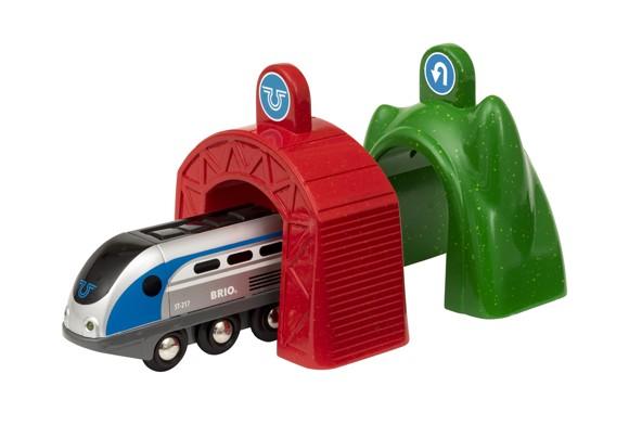 BRIO - Lokomotiv med magiske tunneler (33834)