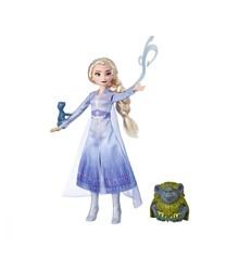 Disney Frozen 2 - Fashion Doll In Travel Outfit - Elsa (E6660)