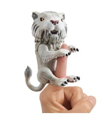 Fingerlings - Untamed Sabertooth - Silvertooth  (3971)