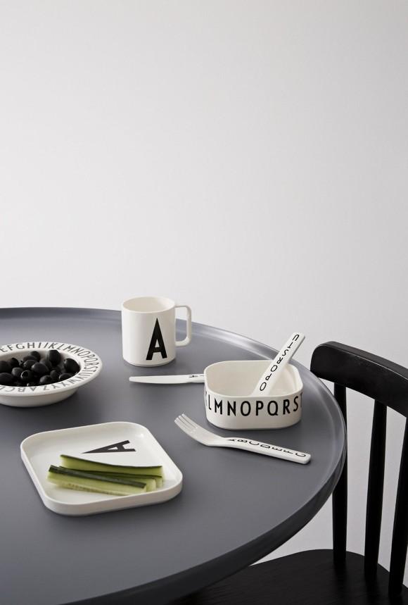 Design Letters - Gaveæske Tritan Spisesæt - V