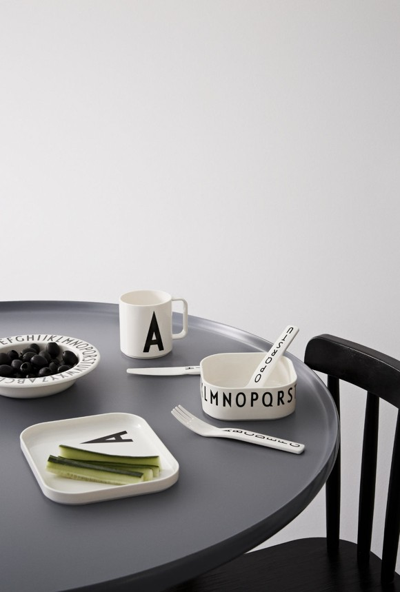 Design Letters - Gift Box Tritan Eating Set - V (20201500V)